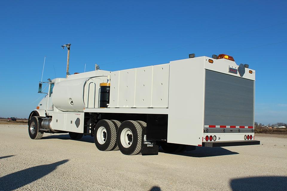 KFLT2 Fuel Lube Truck on a Kenworth T800 regular cab.