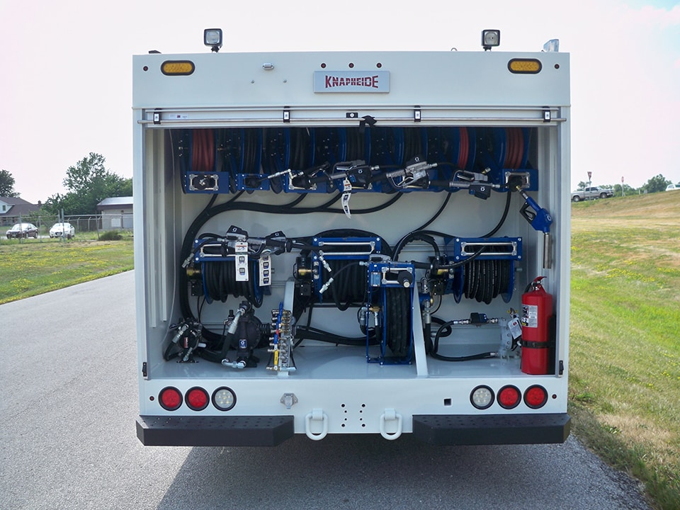 KLT1 Lube Truck on an International Durastar crew cab.