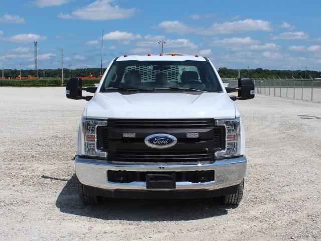 Crane Body on Ford