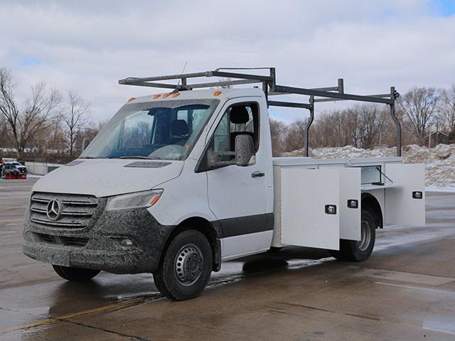 Standard Service Body on Mercedes-Benz